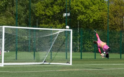 1sts hammer Lyne to progress in League Cup